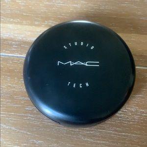 Mac Studio Tech